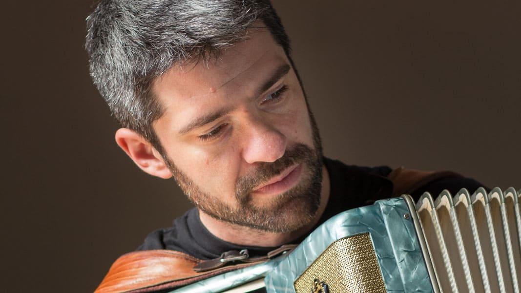 Hernán Crespo Trio - Puertos